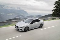 00e919ed-mercedes-benz-a-class-sedan-21